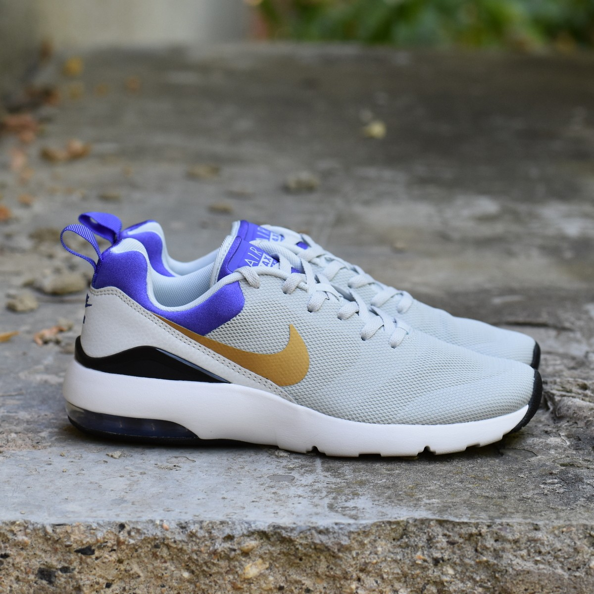 Nike WMNS AIR MAX SIREN Dámské boty EU 36.5 749510-001